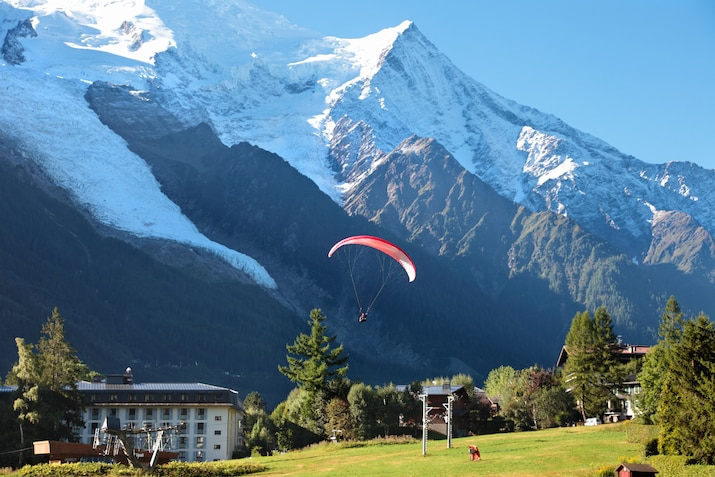 Tandem paragliding Flight in Chamonix, near the Mont Blanc in France