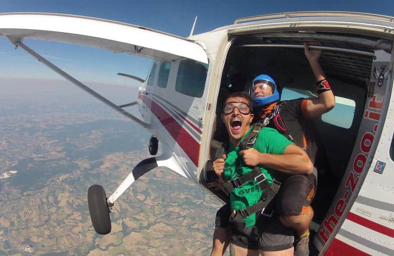 Tandem skydive from plane