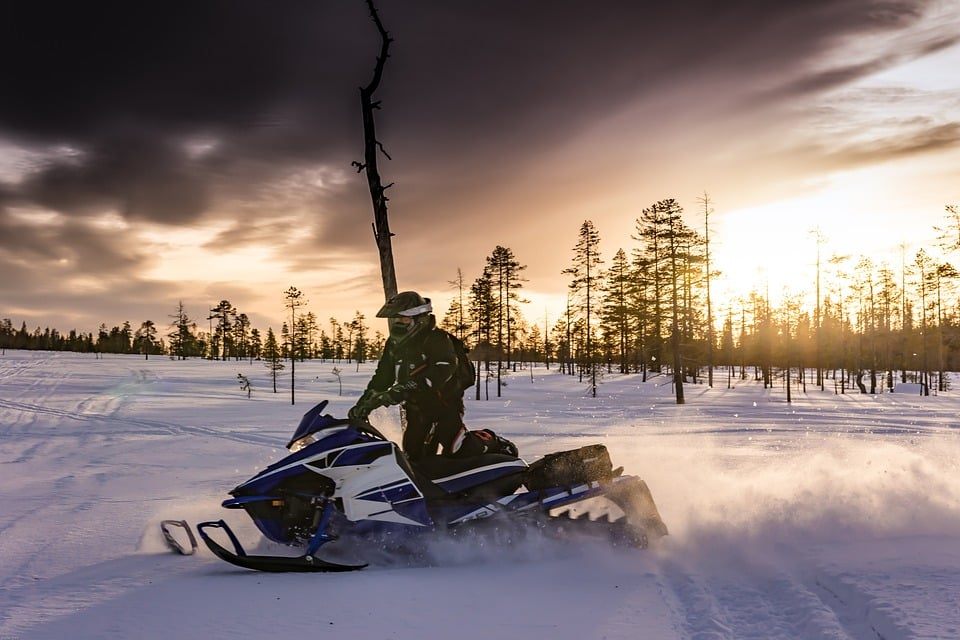 Snowmobiling in Tromsø