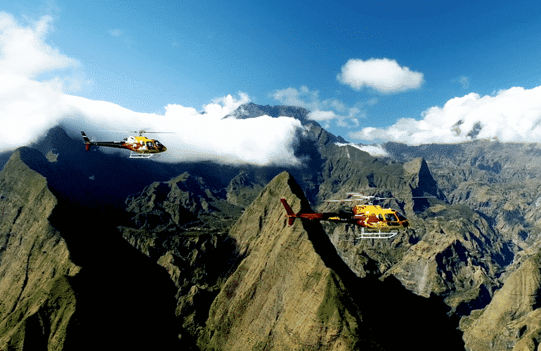 helicopter tour over reunion island