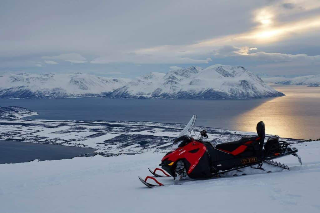 Snowmobiling in Lyngen Alps