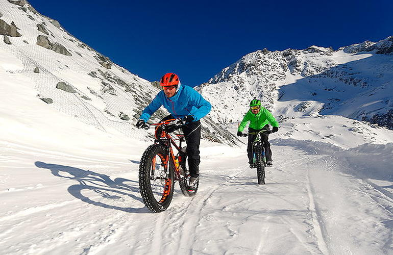 Descente en Fat Bike à Val Thorens
