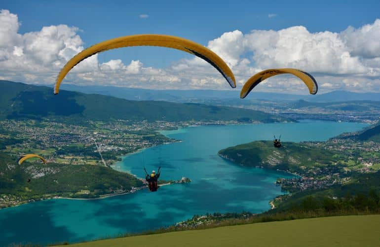 Tandem Paragliding above Annecy and its lake
